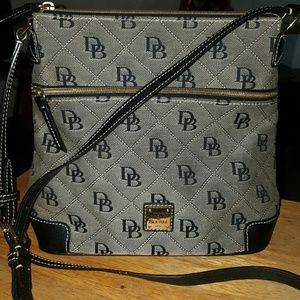 Dooney & Bourke Bags - Dooney & Bourke crossbody